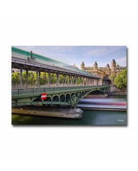 Plexiglass Bir Hakeim Bridge